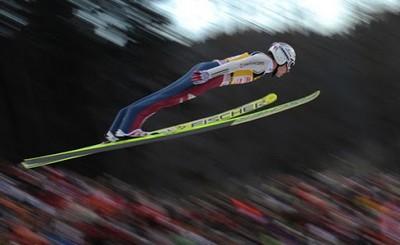 Алексей-Солодянкин-прыжки-на-лыжах-с-трамплина